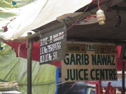 Vidéo : Varanasi et Mumbai – Drinks de rue + Buffalo à la moelle DÉCADENT